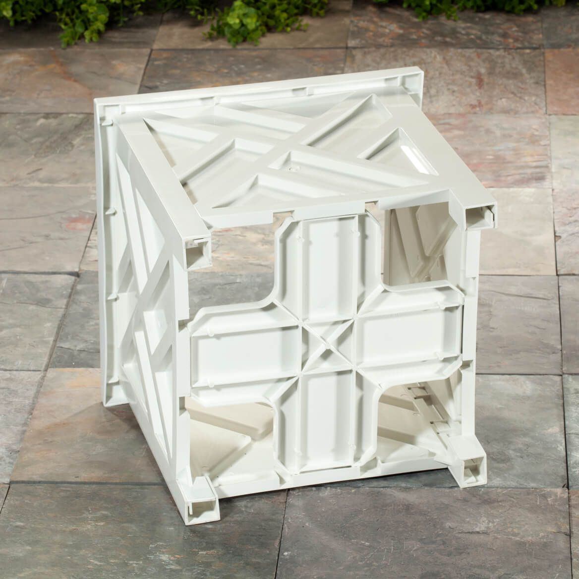 White Chippendale Planter-329156