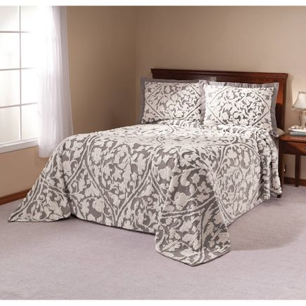 The Kate Quilt with Chenille Tufting-356274