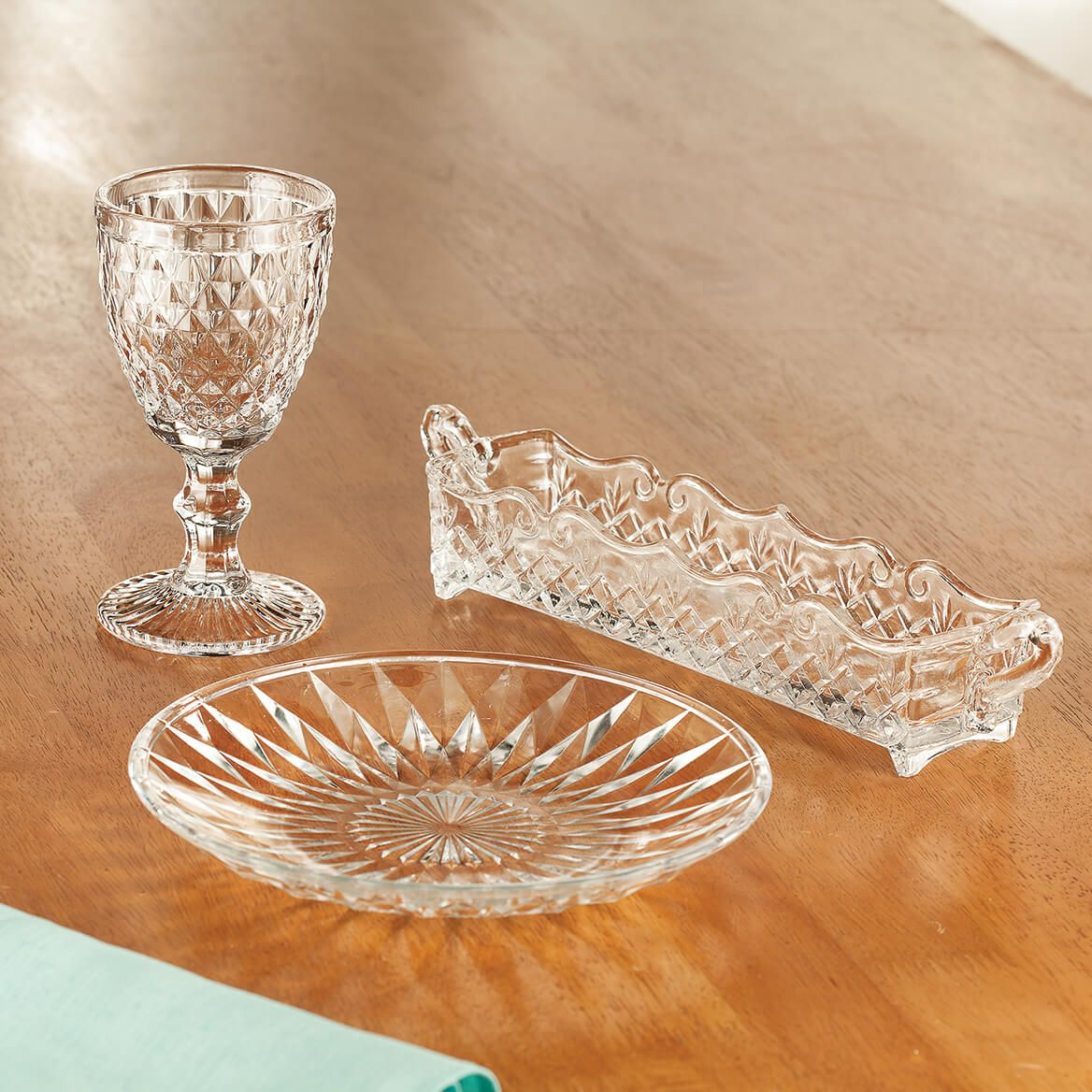 William Roberts Diamond Glass Salad Plates, Set of 4-367558