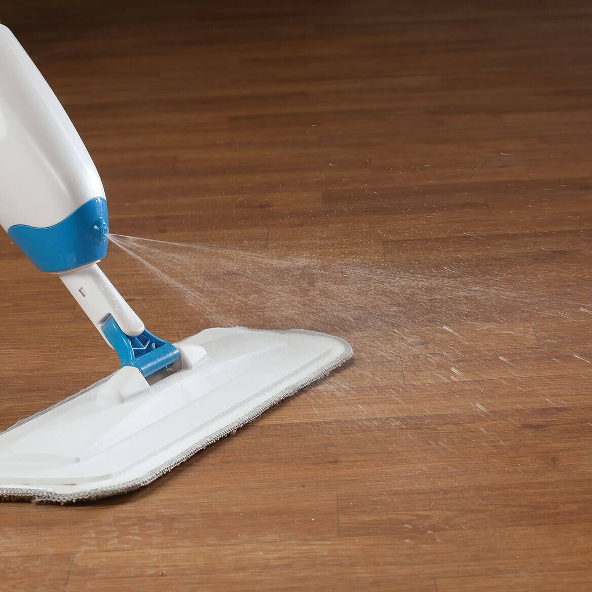 Spray Mop and Set of 4 Microfiber Cleaning Pads Set-368946