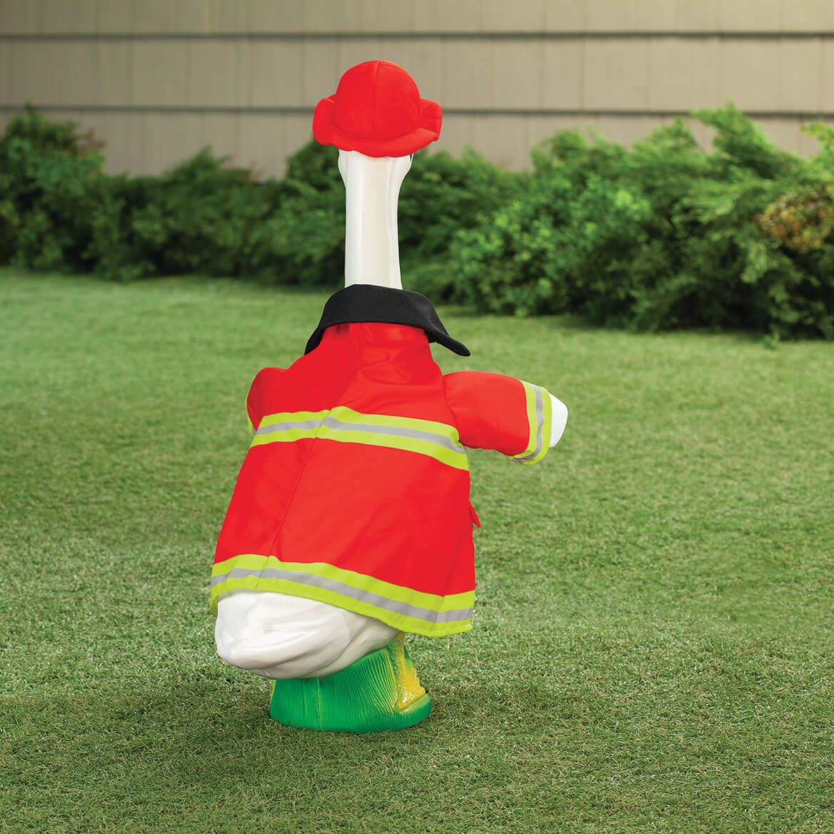 Firefighter Goose Outfit-371971