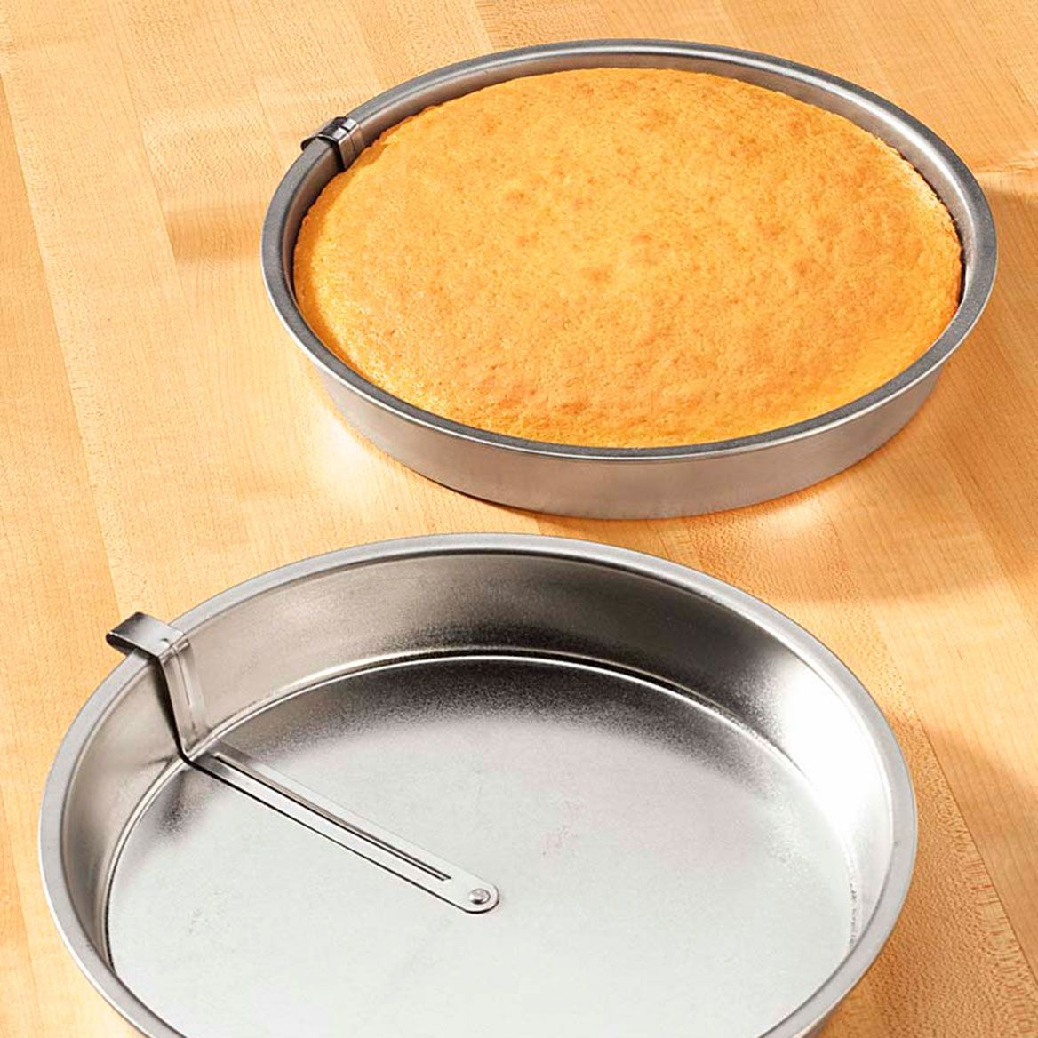 Easy Release Cake Pan Set of 2-311092