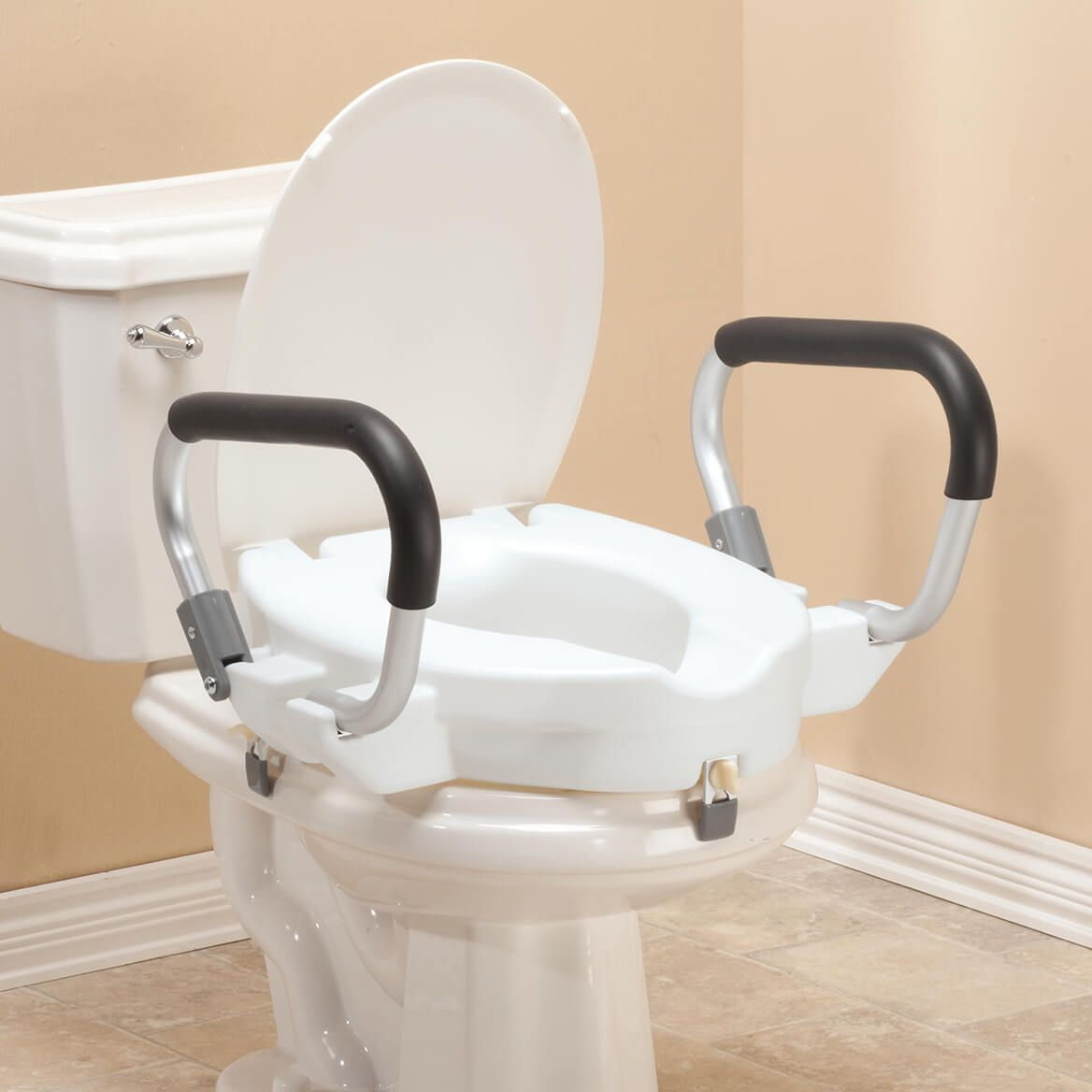"""4"""" Toilet Seat with Arms and Lid           XL-357861"""